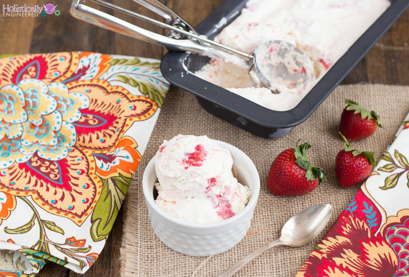 Low Carb Strawberry Cheesecake Ice Cream